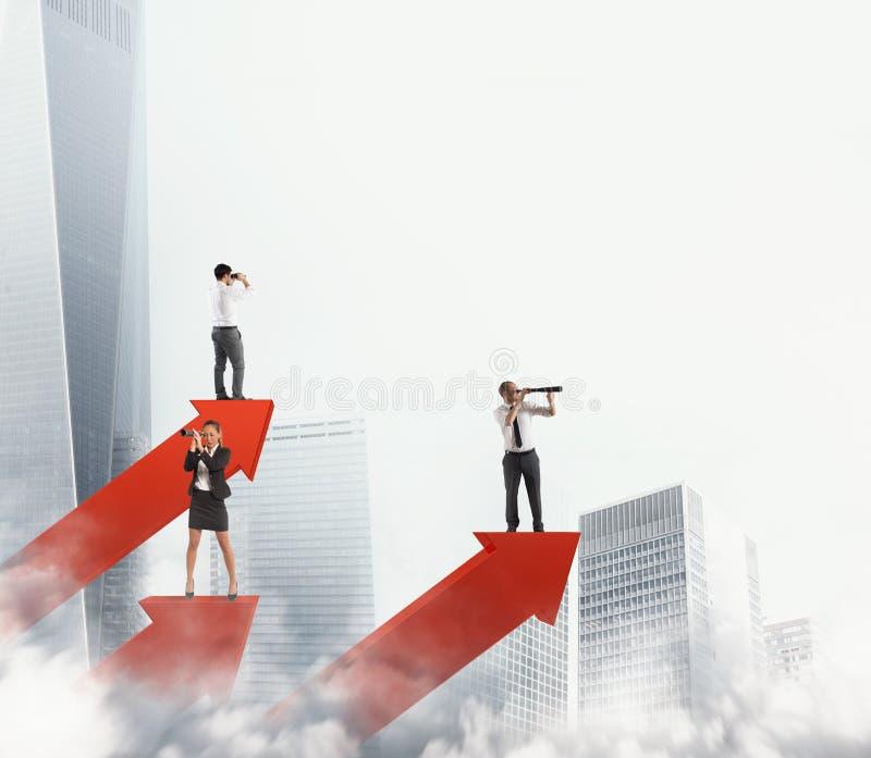 Hombres de negocios en las estadísticas de las flechas que buscan negocio representación 3d fotos de archivo