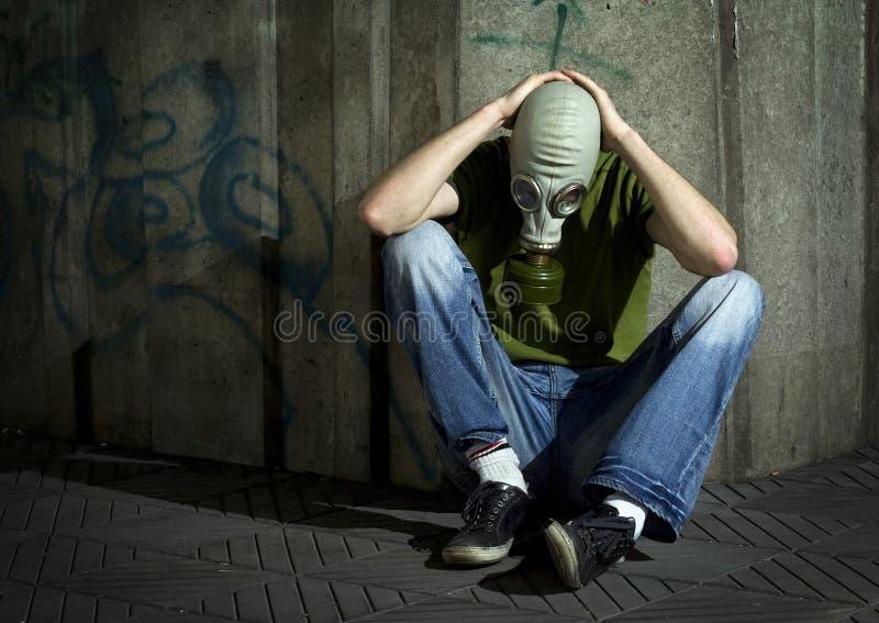 Hombres en gas-máscara. imagen de archivo libre de regalías