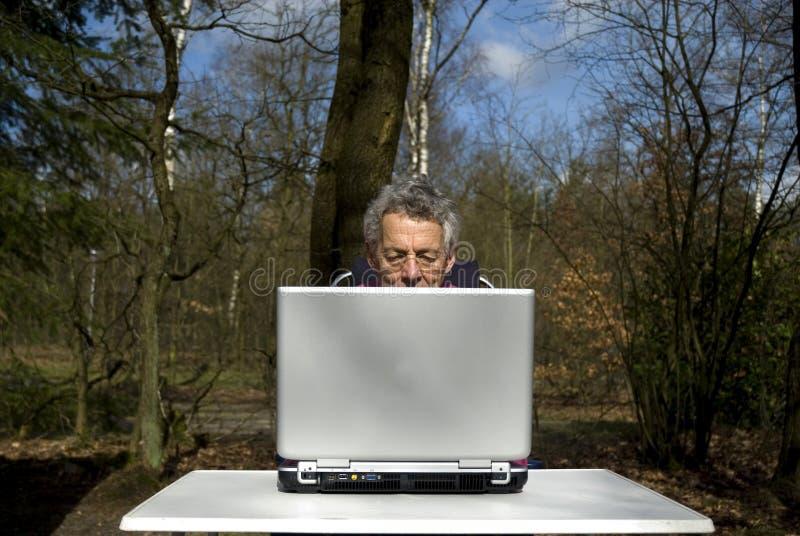 home bärbar dator arkivfoton