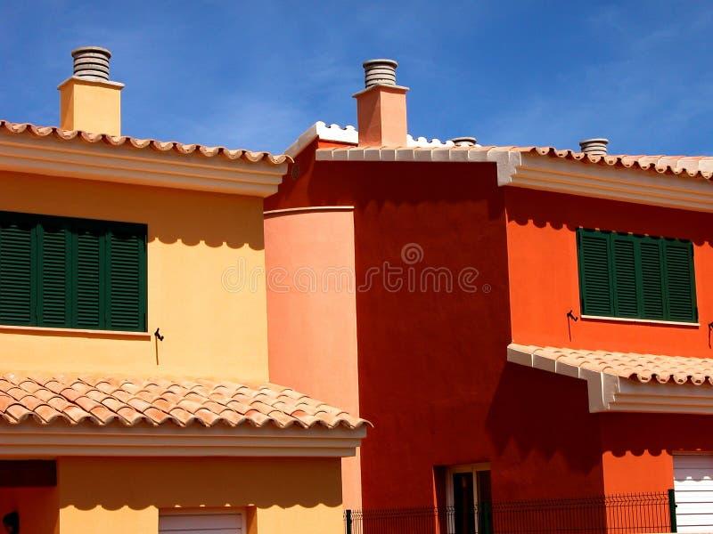 HOME brilhantemente coloridas da praia fotografia de stock royalty free