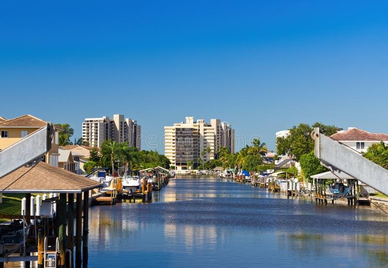 HOME do beira-rio em Nápoles, Florida fotos de stock