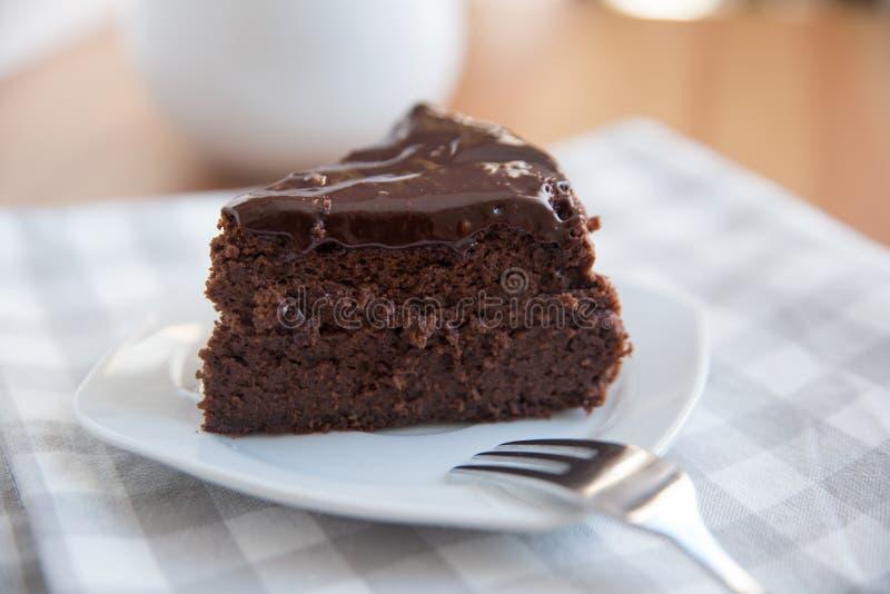 A HOME fêz o bolo de chocolate imagens de stock royalty free
