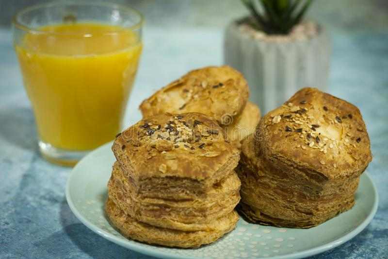 Scone cheesy – homemade royalty free stock images