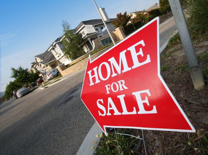 HOME para o sinal da venda fotos de stock royalty free