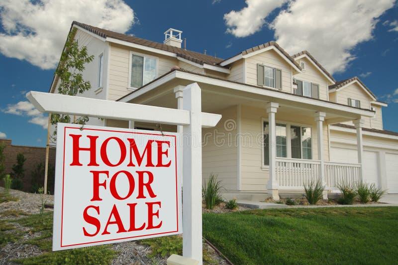 HOME para o sinal da venda & a HOME nova fotografia de stock