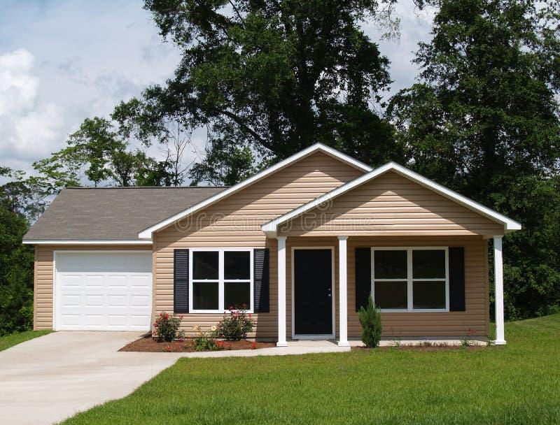 HOME residencial pequena foto de stock royalty free