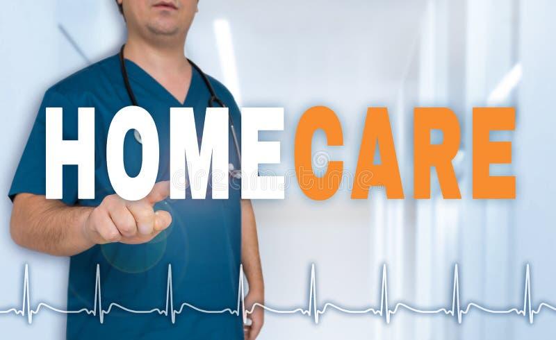 Homecare de arts toont op kijker met het concept van het harttarief stock afbeeldingen