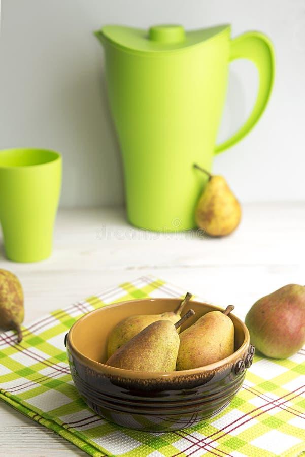 Homegrown αχλάδια από τον αγροτικό κήπο στοκ φωτογραφία με δικαίωμα ελεύθερης χρήσης
