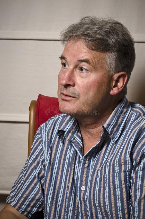 Homem acoplado na conversação fotografia de stock royalty free