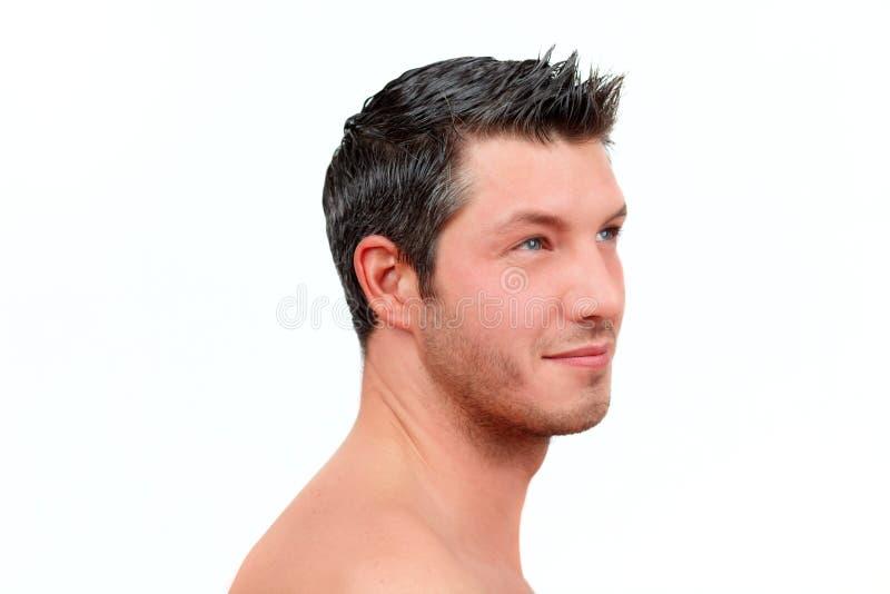 Homem adulto novo do estilo do vestido do corte do cabelo foto de stock