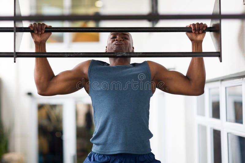 Homem africano tração-UPS fotos de stock royalty free