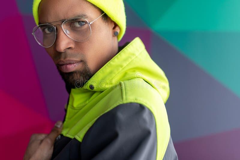 Homem afro à moda foto de stock royalty free