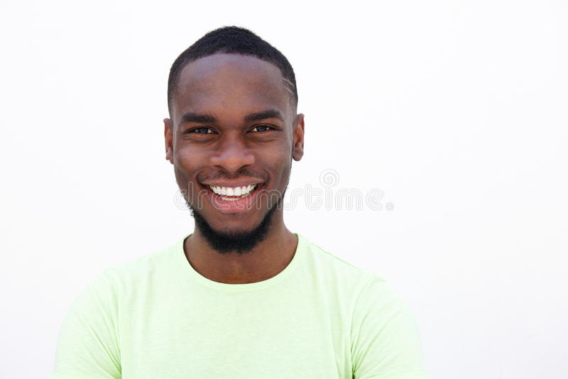 Homem afro-americano novo de sorriso imagens de stock royalty free