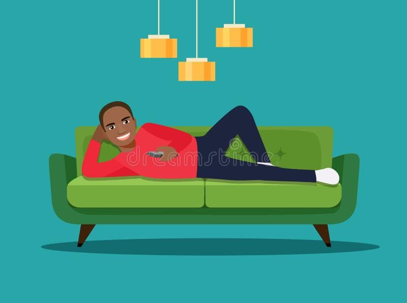 Homem afro-americano novo feliz com o controlo a distância da tevê que encontra-se no sofá isolado ilustração royalty free