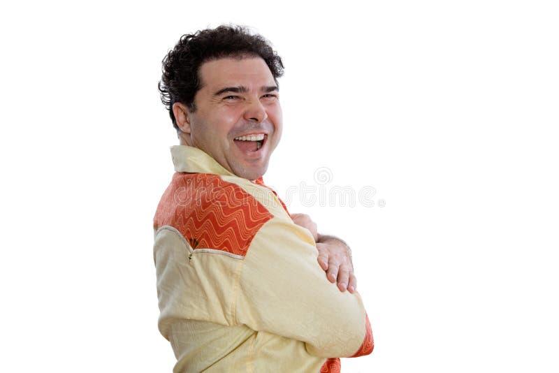 Homem alegre na camisa africana que olha a câmera fotos de stock