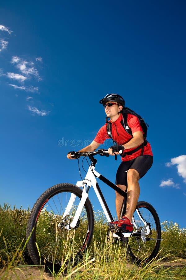 Homem Biking fotos de stock