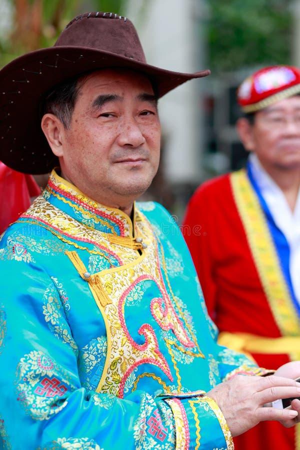 Homem chinês das pessoas idosas do mongolian