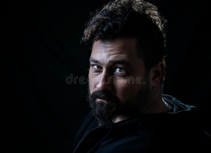 Homem com a barba do penteado e do cavanhaque da crista fotos de stock