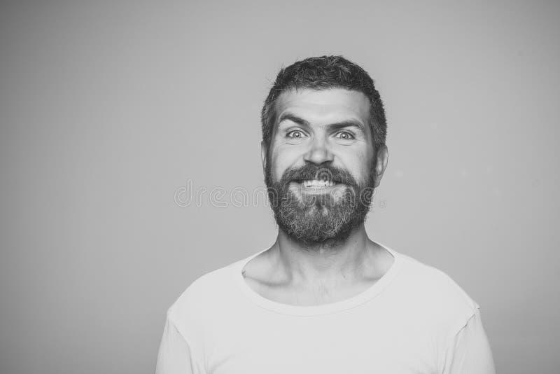Homem com barba e o bigode longos fotografia de stock royalty free