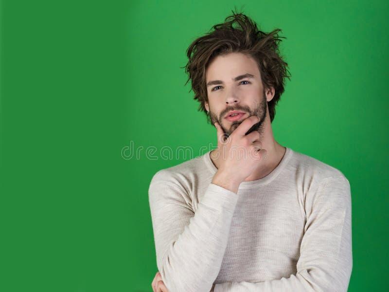 Homem com cabelo bagunçado no roupa interior imagens de stock royalty free