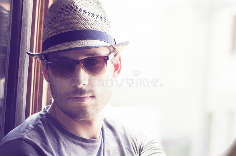 Homem com chapéu fotos de stock