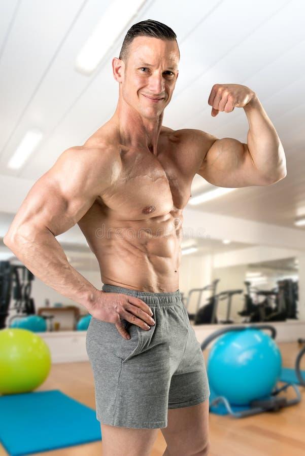 Homem com corpo perfeito fotos de stock
