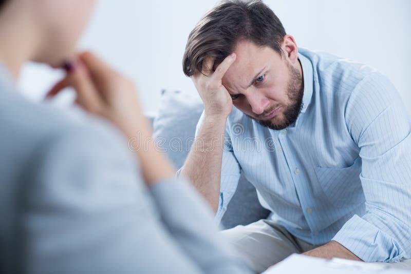 Homem com depressão fotos de stock royalty free