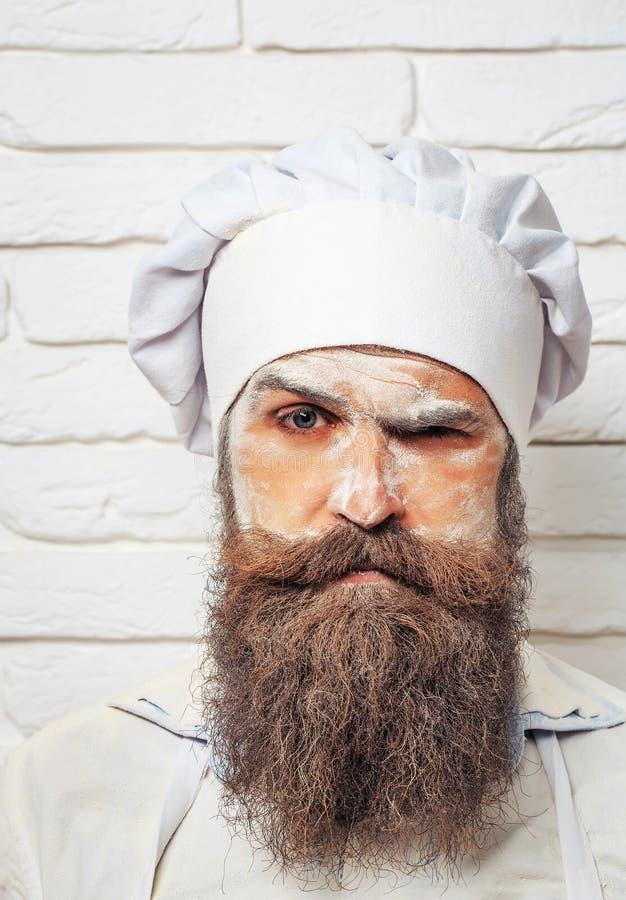 Homem com farinha na cara imagens de stock