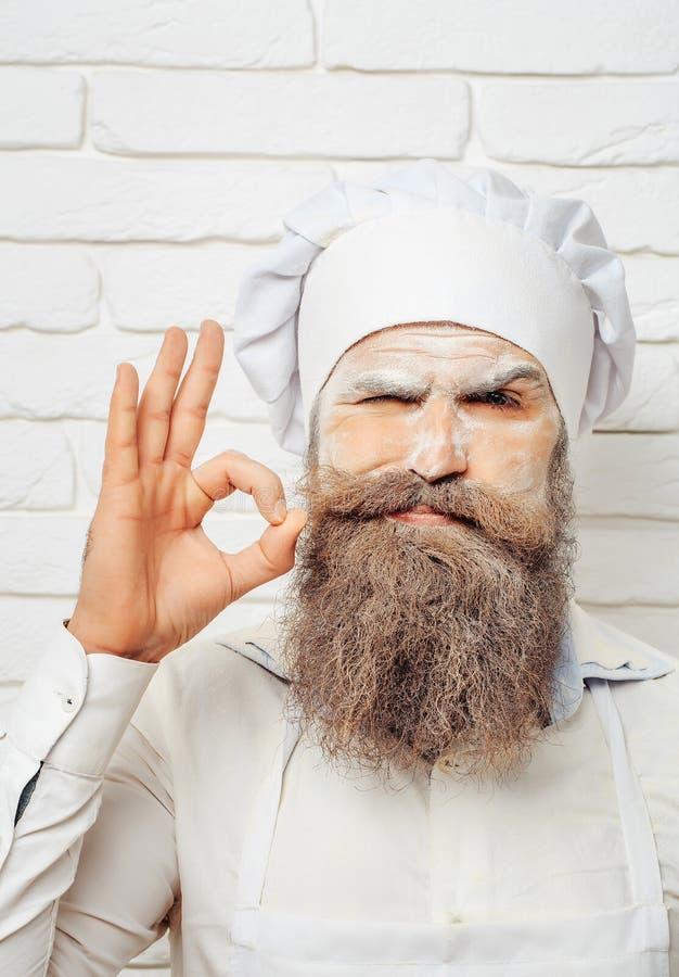 Homem com farinha na cara fotos de stock royalty free