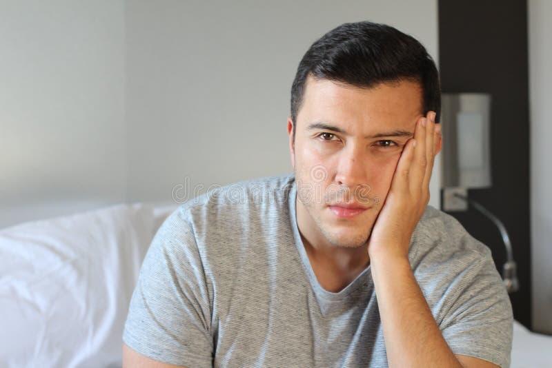 Homem com fim do desespero acima fotos de stock royalty free