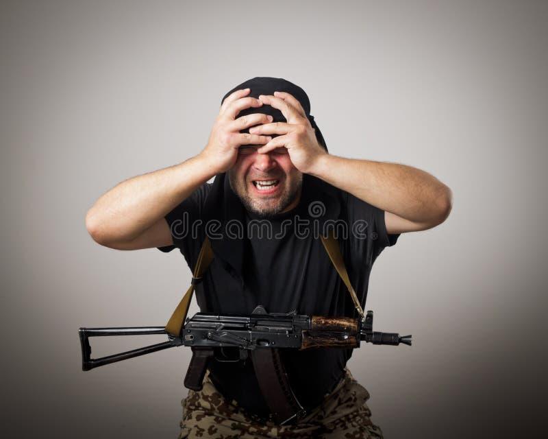 Homem com injetor imagens de stock