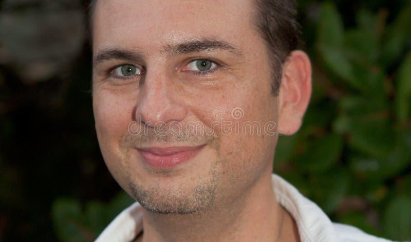Homem com olhos verdes fotografia de stock royalty free