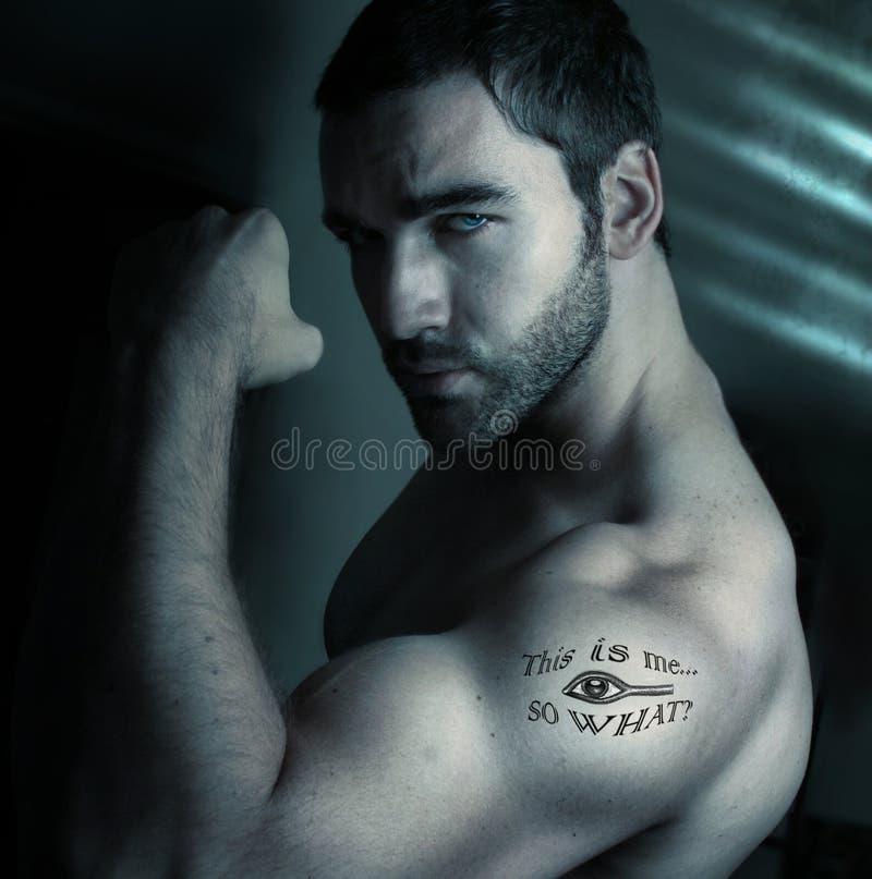 Homem com tatuagem imagem de stock royalty free