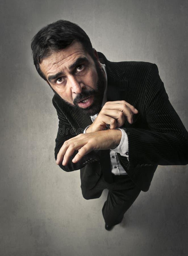 Homem com uma expressão do medo fotos de stock