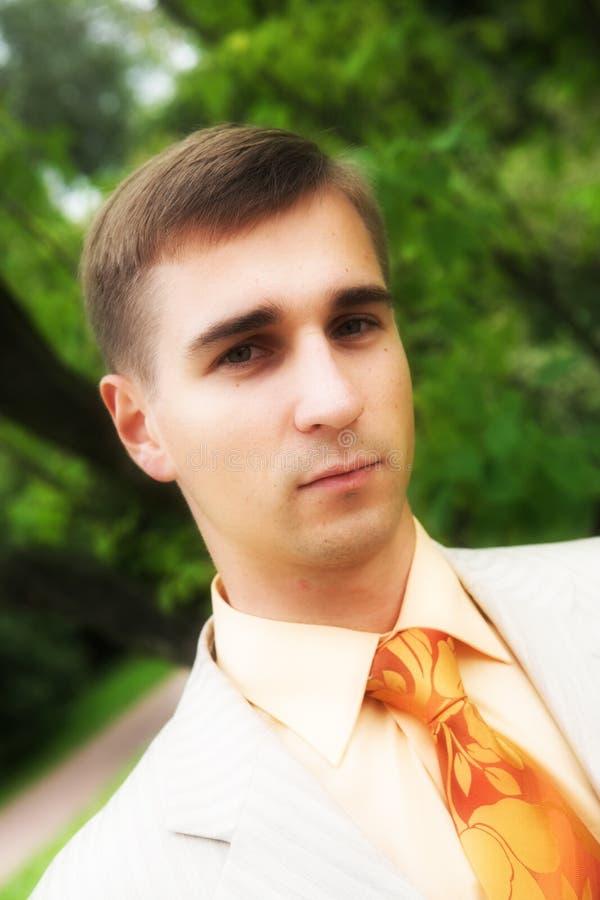 Homem considerável no parque fotografia de stock royalty free
