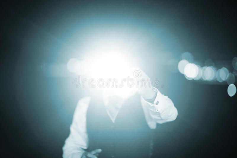 Homem de banquete de casamento que toma o flash das fotos fotos de stock