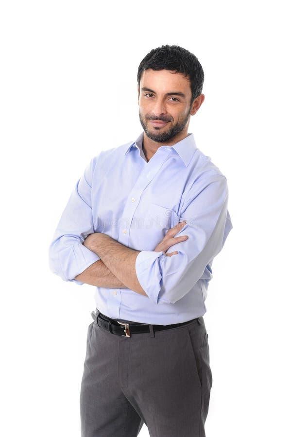 Homem de negócio atrativo novo que está no iso incorporado do retrato fotografia de stock