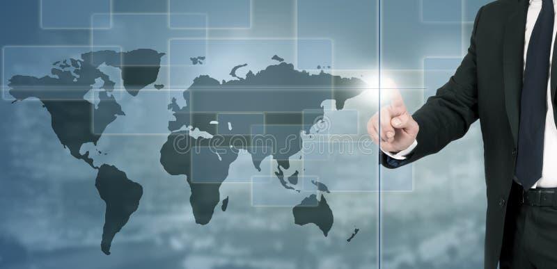 Homem de negócio com mapa do mundo fotografia de stock royalty free
