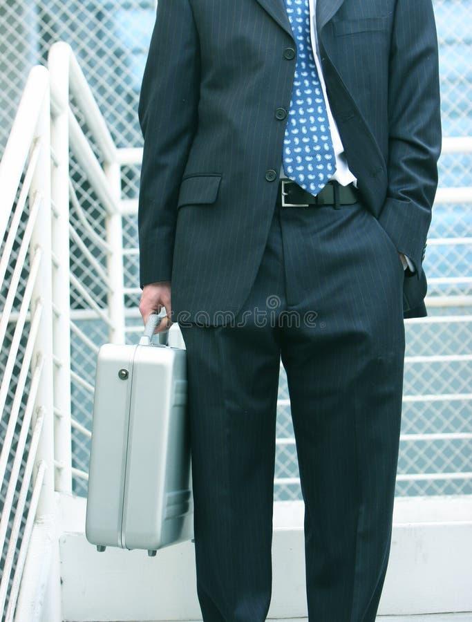 Homem de negócio com pasta imagens de stock royalty free
