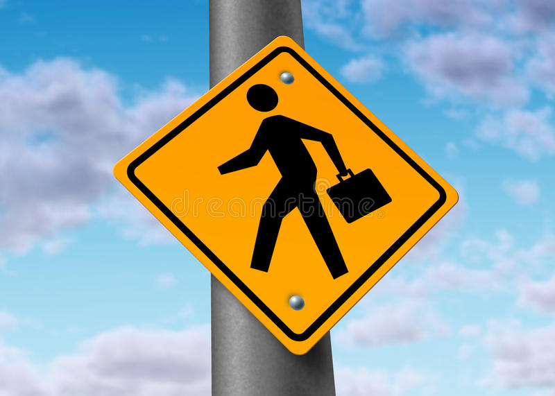 Homem de negócio com um breve caso em um sinal de estrada fotos de stock