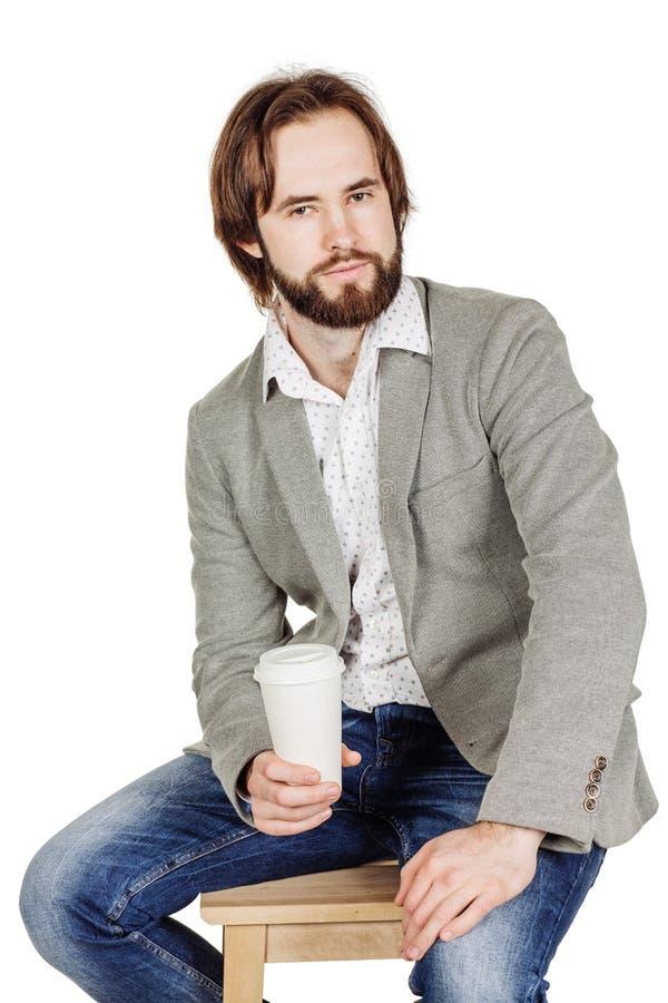 Homem de negócio com xícara de café de papel emoções, expressi facial fotografia de stock royalty free