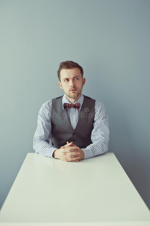 Homem de negócio de pensamento novo fotografia de stock