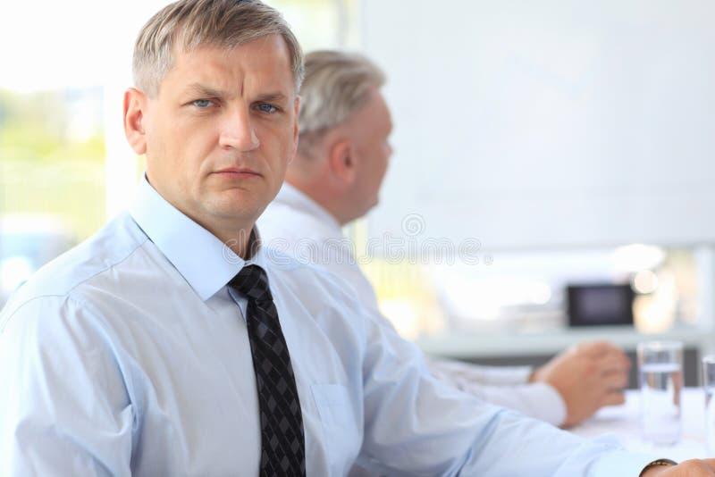 Homem de negócio maduro esperto fotos de stock
