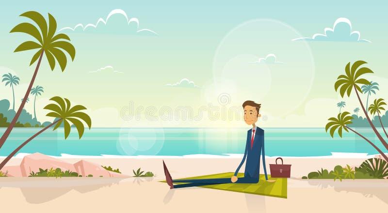 Homem de negócio na costa de mar Sit Sand Beach Blue Sky das férias de verão Sun ilustração royalty free