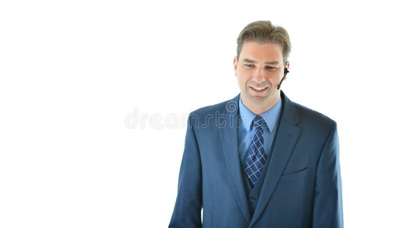 Homem de negócio no telefone com cliente ou representante de serviço ao cliente fotos de stock