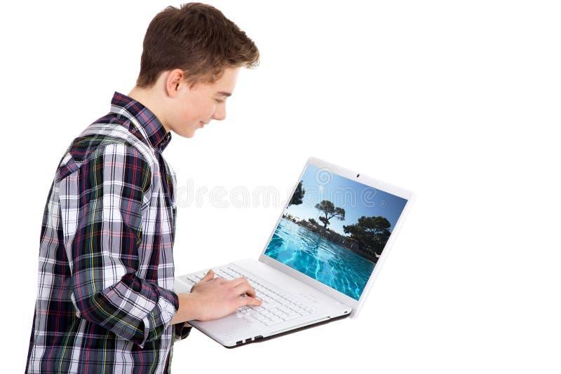 Homem de negócio novo com tabuleta imagem de stock