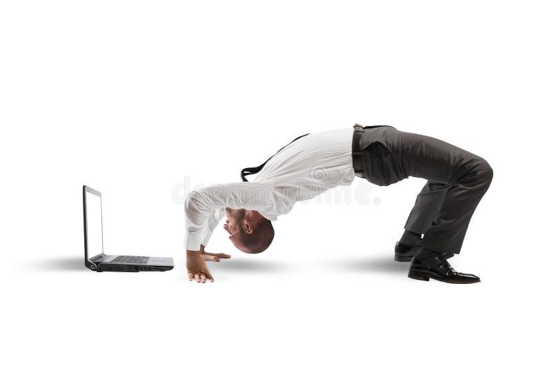 Homem de negócios acrobático fotos de stock