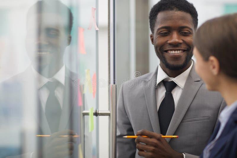 Homem de negócios africano Planning Startup fotografia de stock royalty free