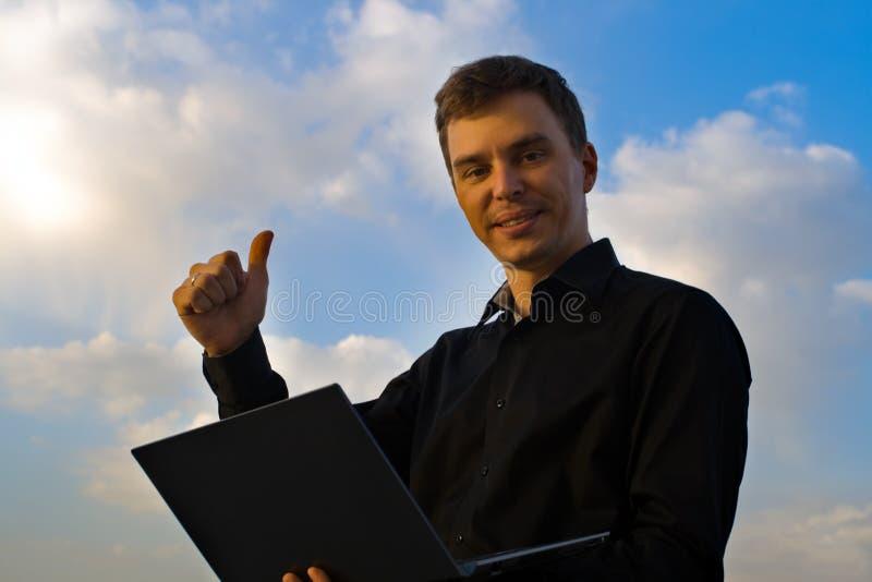 Homem de negócios bem sucedido novo Negócio do Internet fotografia de stock royalty free