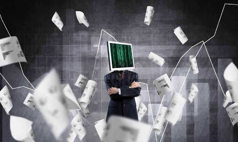 Homem de negócios com o monitor em vez da cabeça imagens de stock royalty free
